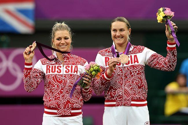 Nadezhda Petrova and Maria Kirilenko