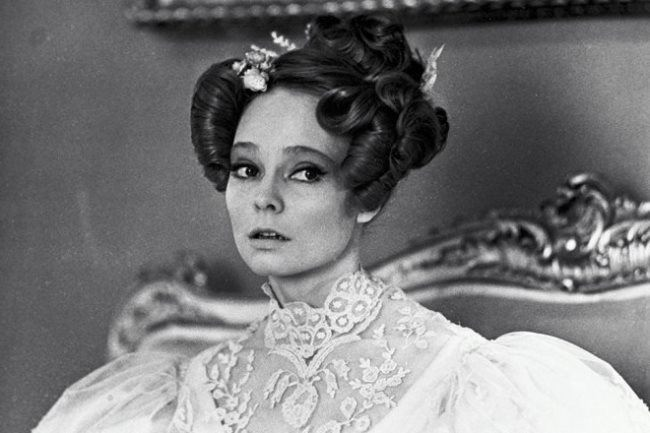 Pretty Natalia Belokhvostikova in the movie Red and Black