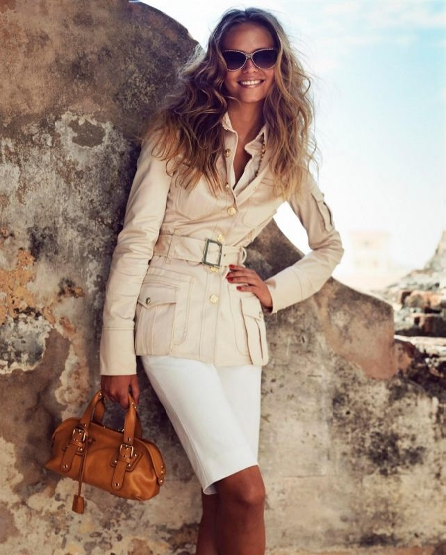 Pretty model Natalia Poly