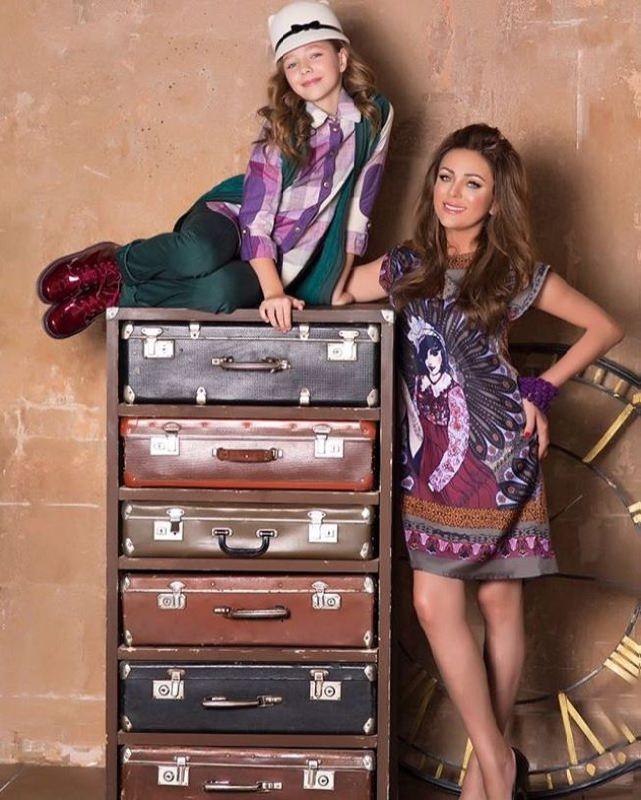 Singer Yulia Nachalova and her daughter