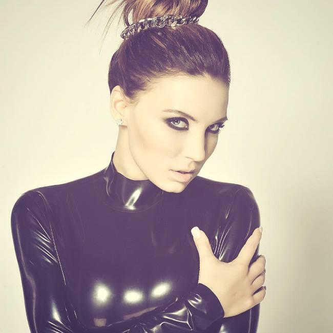 Stunning Alina Artts