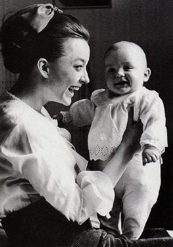 Vertinskaya and her son