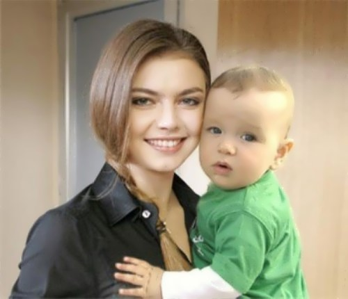 kabaeva with son