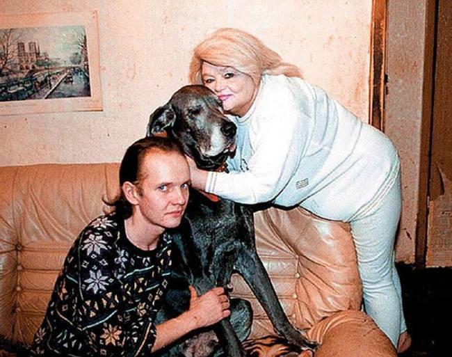 Amazing actress Nataliya Kustinskaya and her son