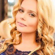 Attractive singer Ksenia Novikova