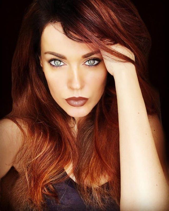 Attractive singer Tatiana Tereshina