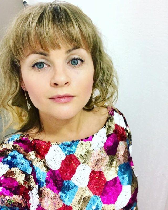 Awesome singer Yulia Proskuryakova