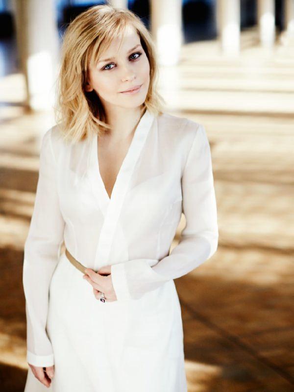 Bright actress Yulia Peresild
