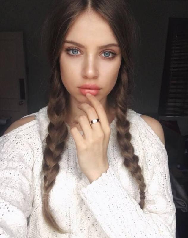 Fabulous model Ksenia Tchoumitcheva