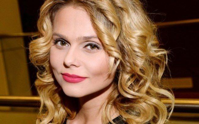 Gorgeous singer Ksenia Novikova