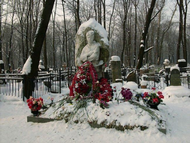 Grave of Sergei Yesenin