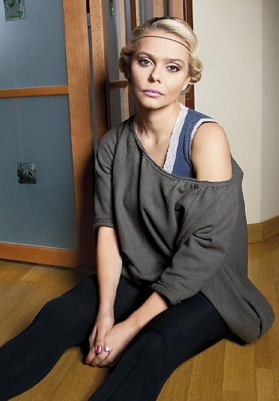 Incredible singer Ksenia Novikova
