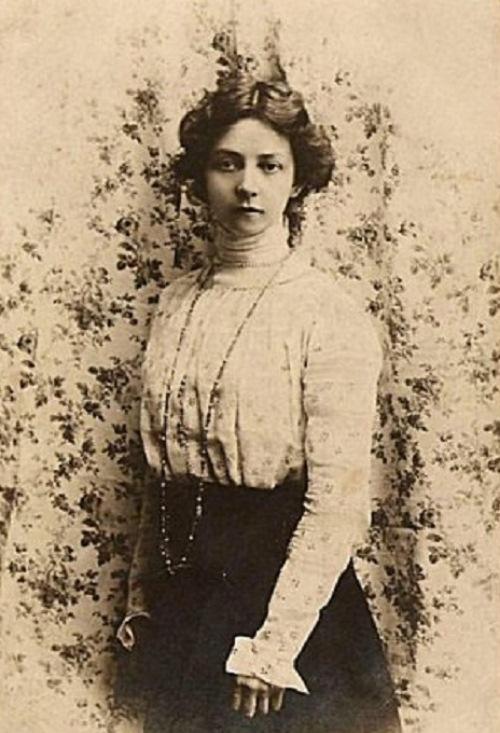 Brilliant Vera Komissarzhevskaya