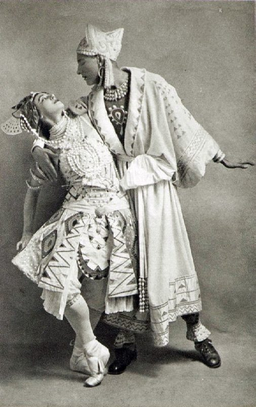 Max Frohman and Tamara Karsavina in The Blue God. Photo in Comoedia Illustre