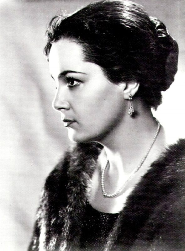 Elina Bystritskaya, actress