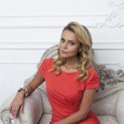 Pretty singer Ksenia Novikova