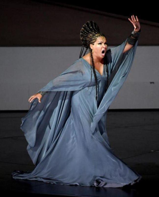 Wonderful opera singer Netrebko Anna