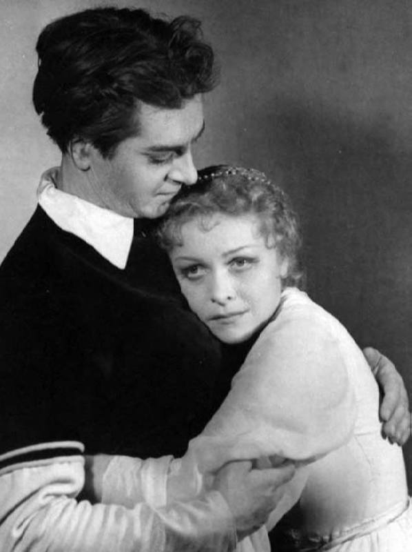 Yuriy Lubimov and Ludmila Tselikovskaya