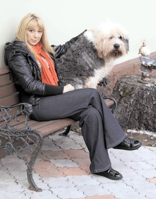 A. Apina beautiful Russian singer