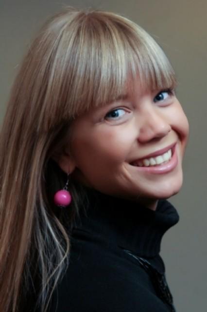Charming TV presenter Alla
