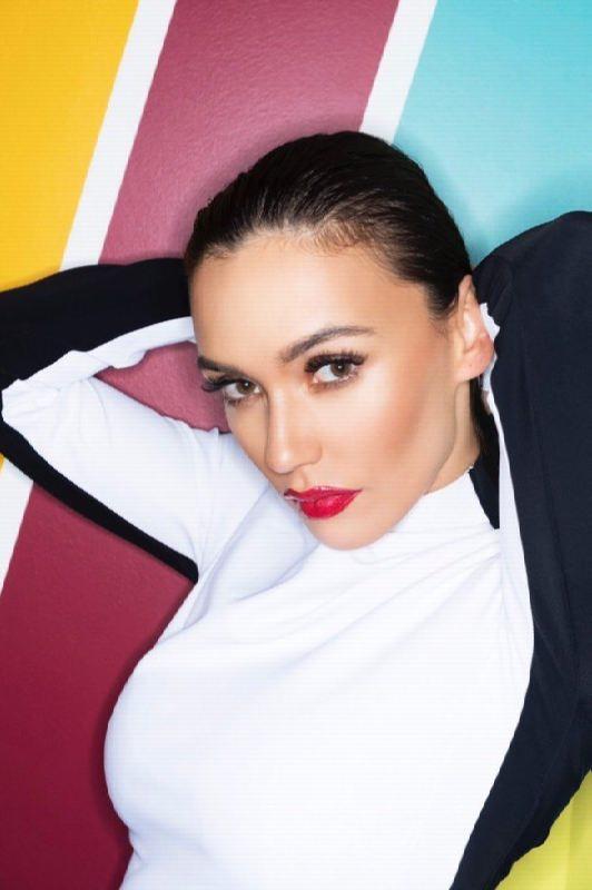 Olga Seryabkina, singer–songwriter