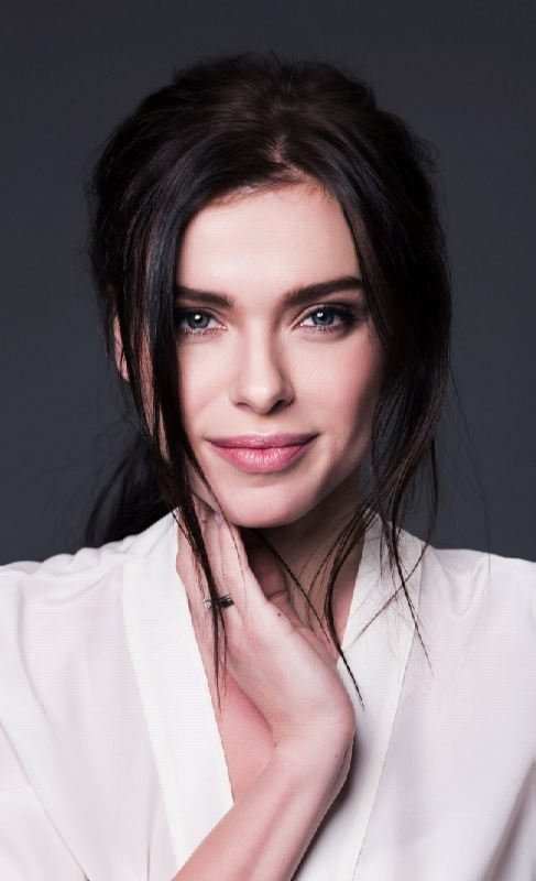 Elena Temnikova, singer