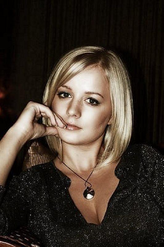 Alina Sandratskaya, film and theater actress