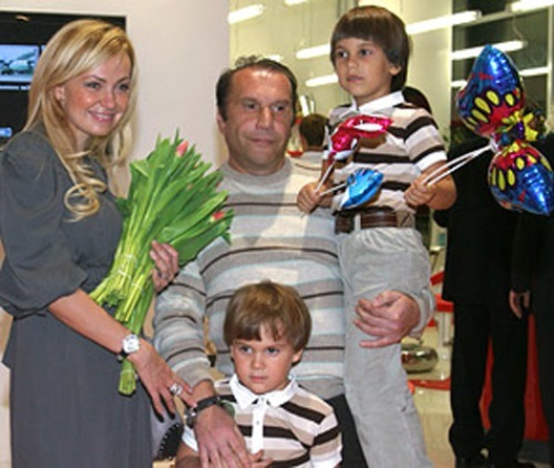 Rudkovskaya, Baturin and children