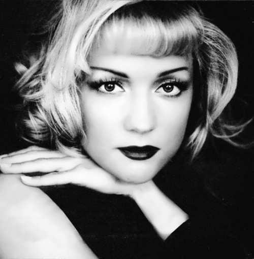 Tatiana Bulanova melancholic singer