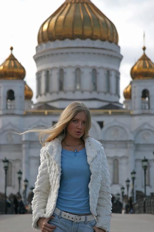 Ahonkova Yulia singer