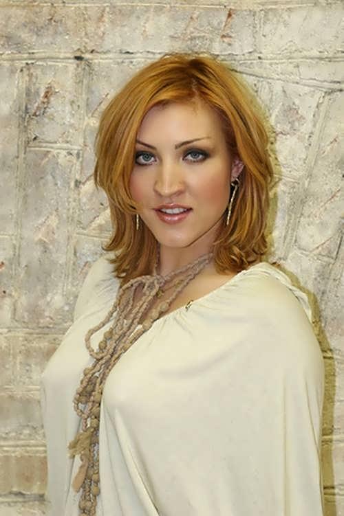 Antonova Alexandra singer