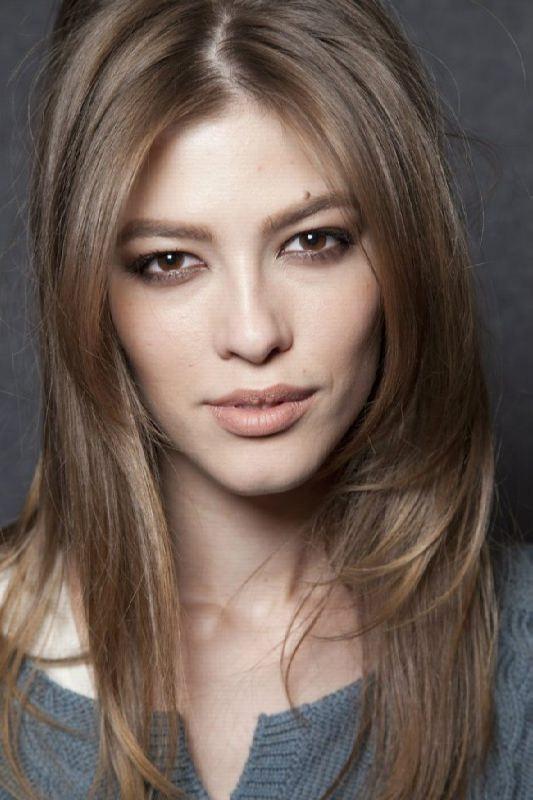 Yulia Kharlapanova, gracious beauty