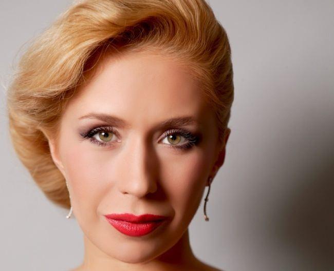 Anastasia Grebenkina, ice dancer