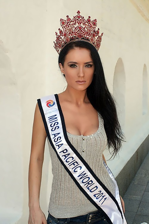 Diana Starkova beauty queen and racing driver