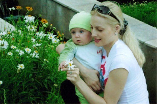 Fabulous Victoria Radochinskaya with her son