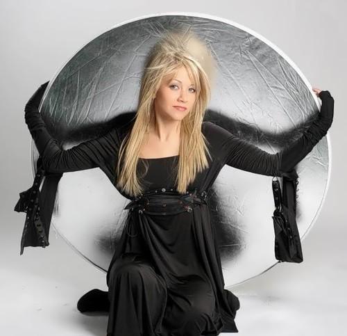 Terleeve Elena singer