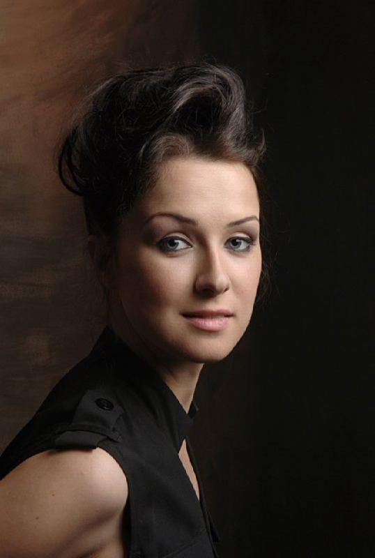 Elena Laguta, actress