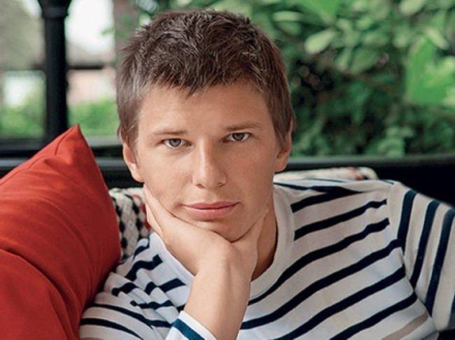 Andrey Arshavin, professional footballer
