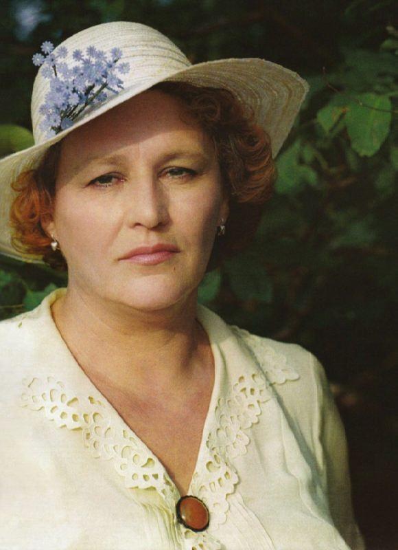Nonna Mordyukova, Soviet actress