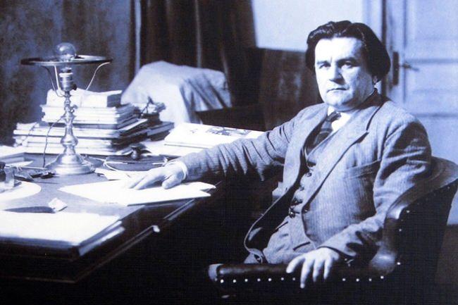 Kazimir Malevich, Suprematist movement founder