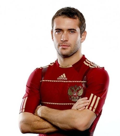 Aleksandr Kerzhakov football player