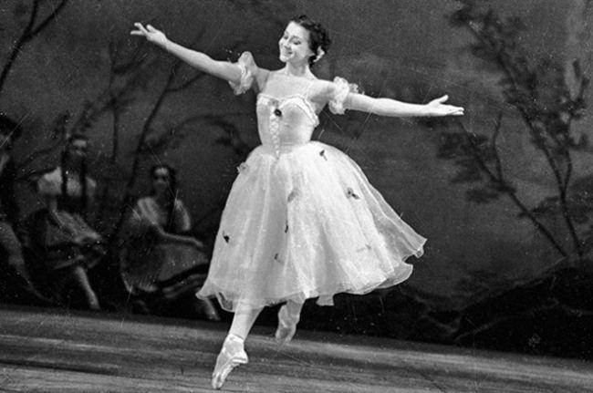 Ekaterina Maximova, Vladimir Vasiliev – Russian ballet dancers