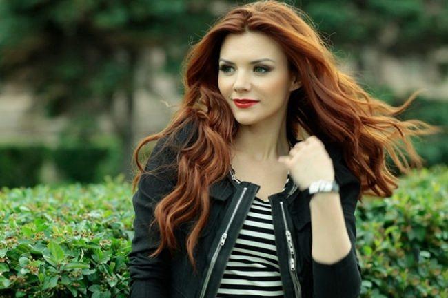 Lesya Yaroslavskaya, beautiful singer