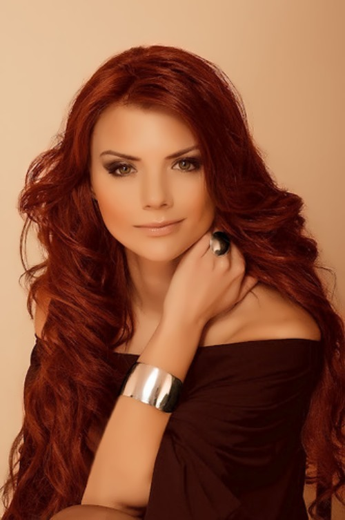 Lesya Yaroslavskaya beautiful singer