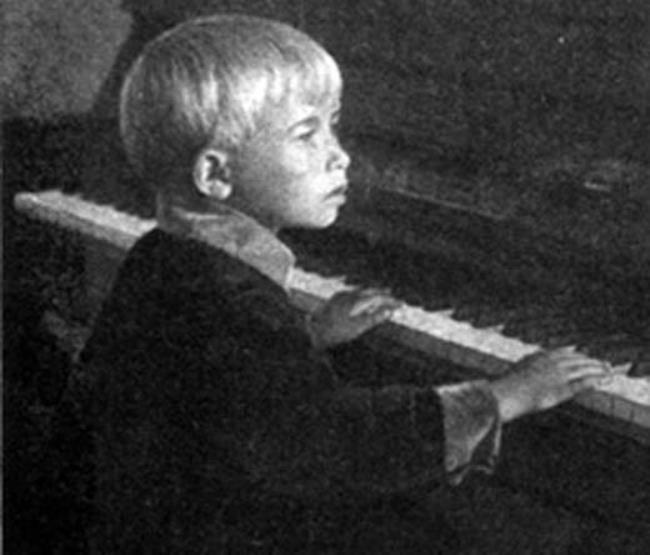 Aleksandra Pakhmutova, Russian composer