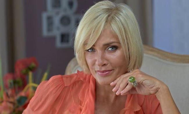 Laima Vaikule, pop singer