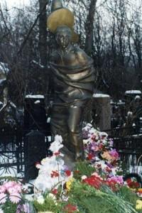Monument on Vladimir Vysotsky's grave