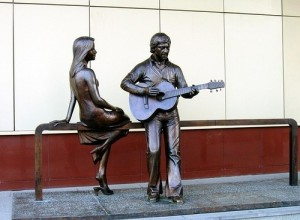 Yekaterinburg, Monument to V. Vysotsky and Marina Vlady