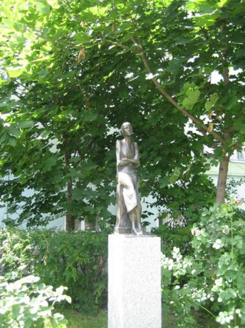 Monument of A. Akhmatova
