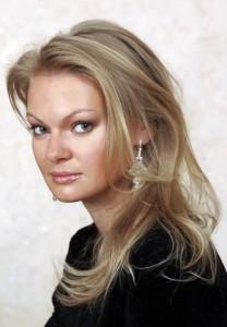 Amazing socialite and business woman Yulia Vizgalina